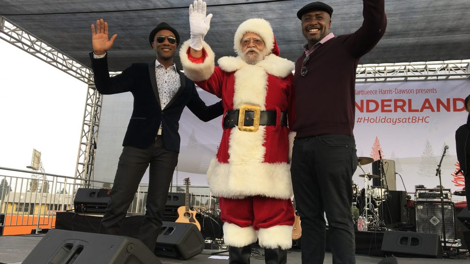 councilmember-santa-and-aloe-blacc